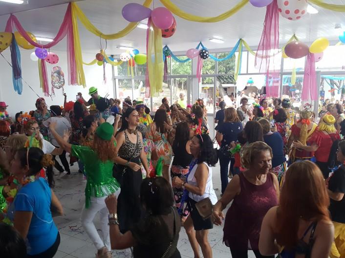 Festa de Carnaval para os idosos foi realizada no Centro Social dos Servidores